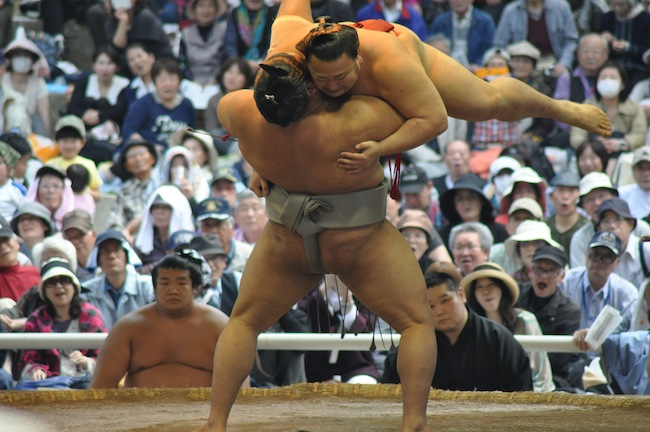 sumo-yasukuni-shrine-03