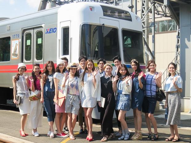 kirarina-fashion-show-train-keio-inokashira-line-tokyo-2