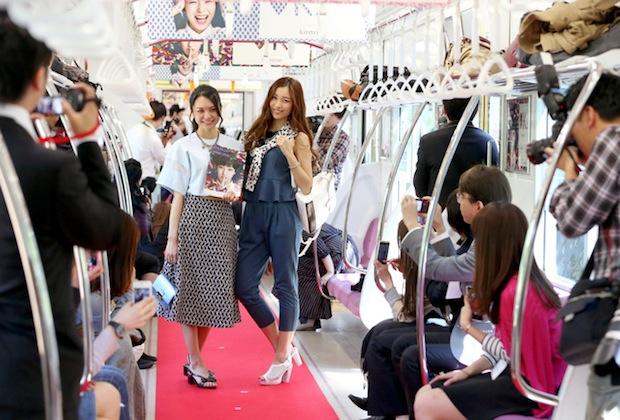 kirarina-fashion-show-train-keio-inokashira-line-tokyo-4