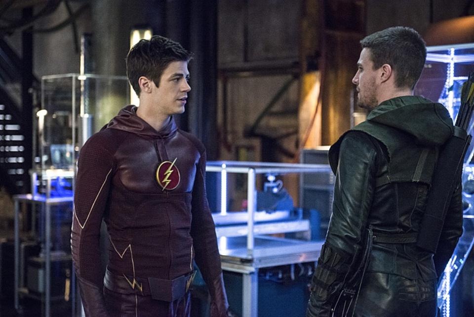 arrow bertemu the flash 01