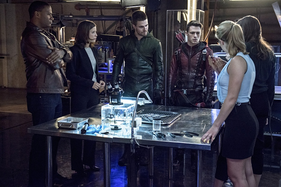 arrow bertemu the flash 02