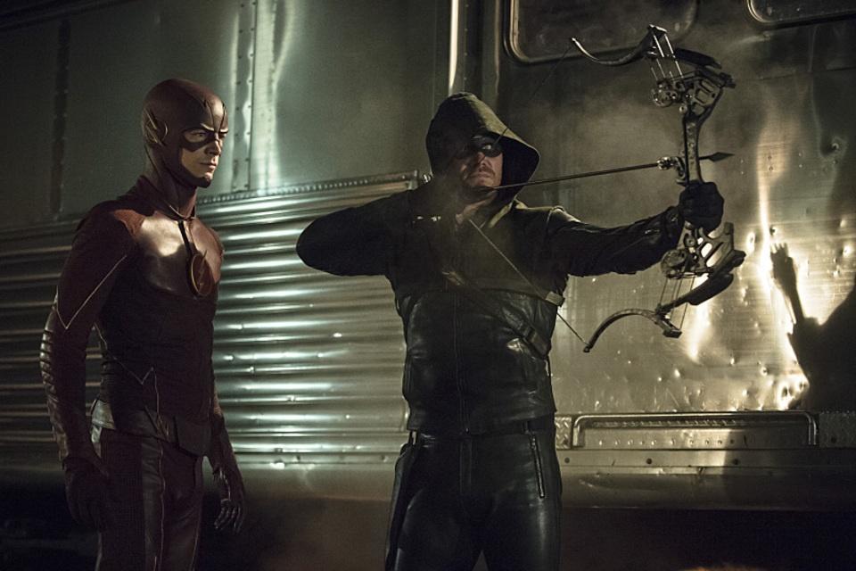 arrow bertemu the flash 03