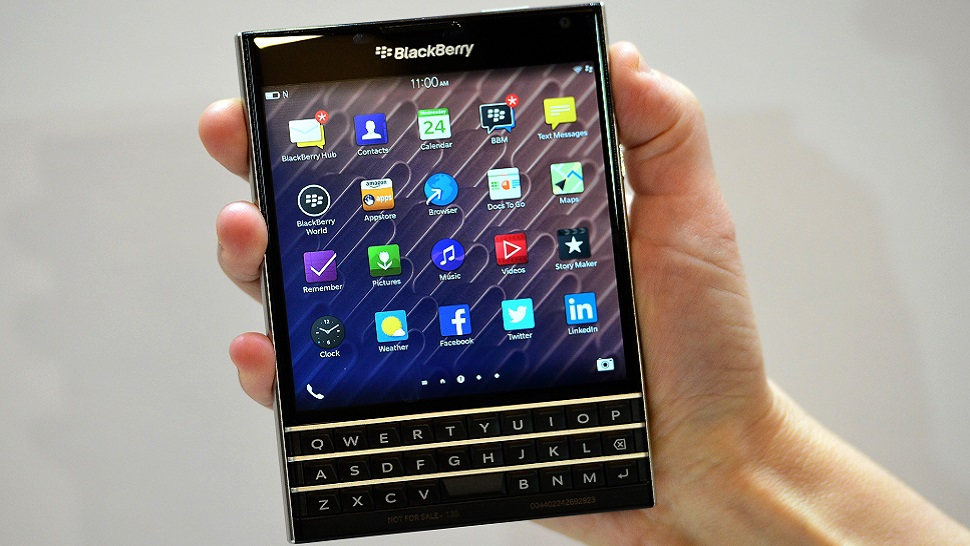 Smarphone Passport keluaran Blackberry