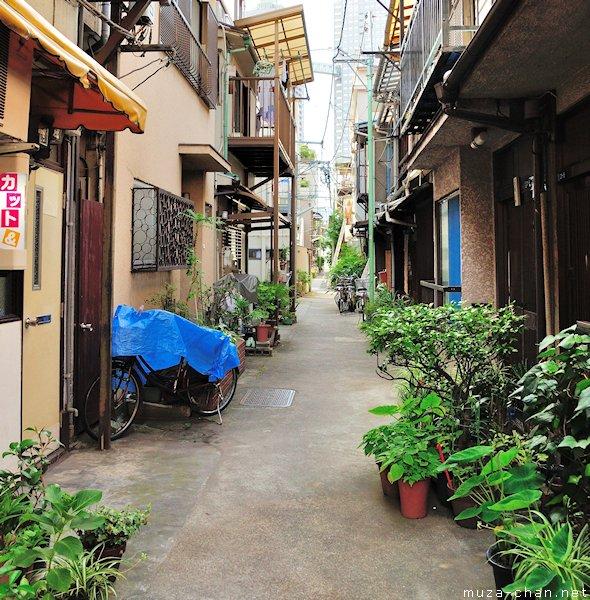 Jalan sempit di Tsukishima, Tokyo