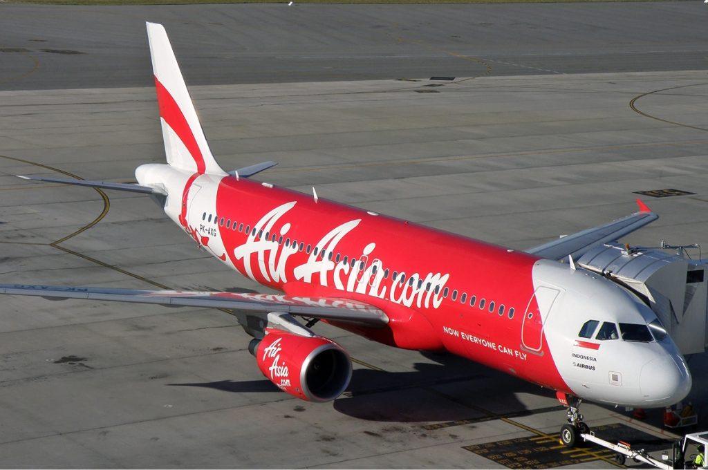 Indonesia_AirAsia_Airbus_A320-200_PER_Koch-1