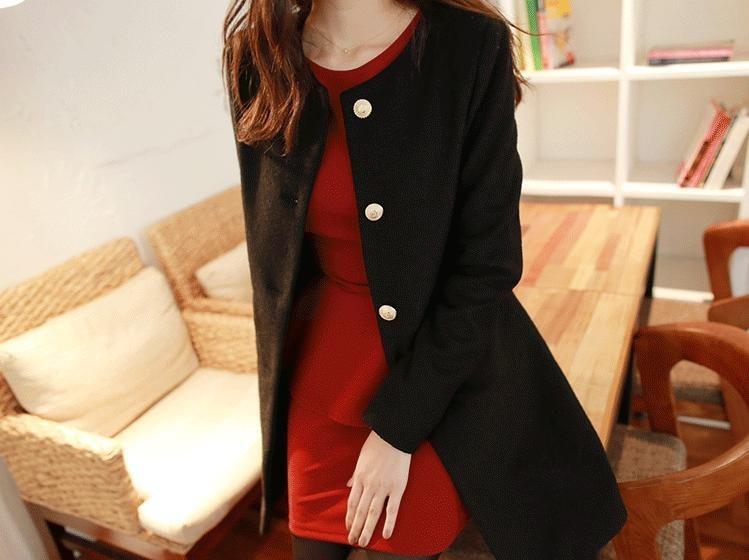 gambar-foto-gaya-fashion-terbaru-jepang-mantel-hitam-wanita
