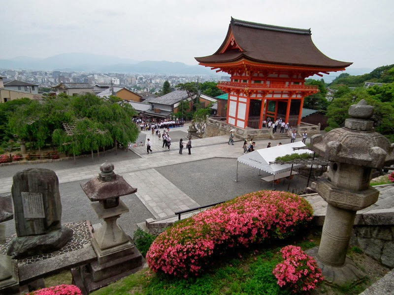 Candi Budha Kiyomizu-dera di Jepang