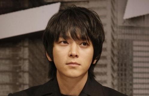 5 Aktor Korea Tertampan Tanpa Operasi - kang dong won