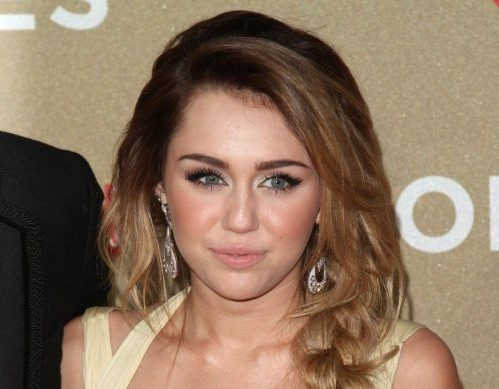 Model Rambut Keriting Ala Curly Miley Cyrus - keriting gantung braid
