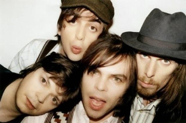 5-Band-Britpop-Terbaik-dan-Terkenal-di-Dunia-1