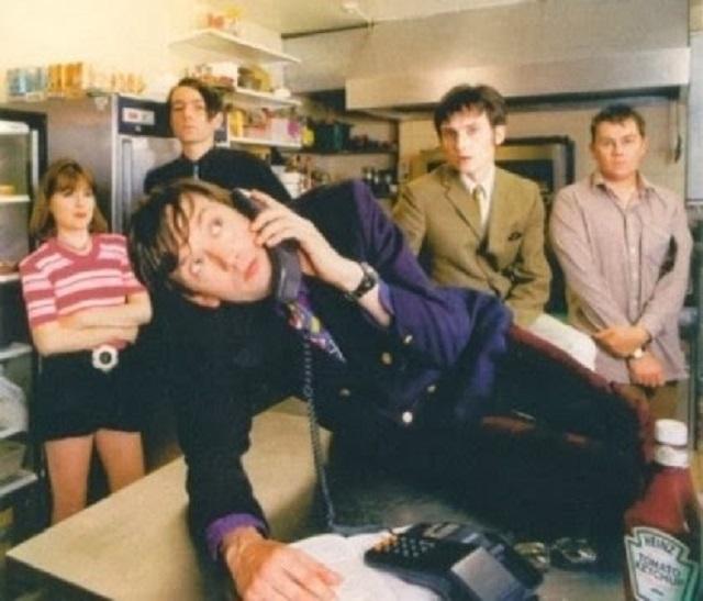 5-Band-Britpop-Terbaik-dan-Terkenal-di-Dunia-3