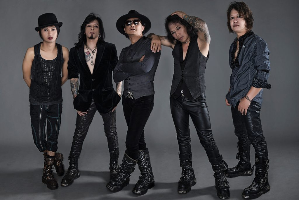 RIF juga salah satu band rock legendaris di tanah air dengan tetap menunjukkan eksistensinya
