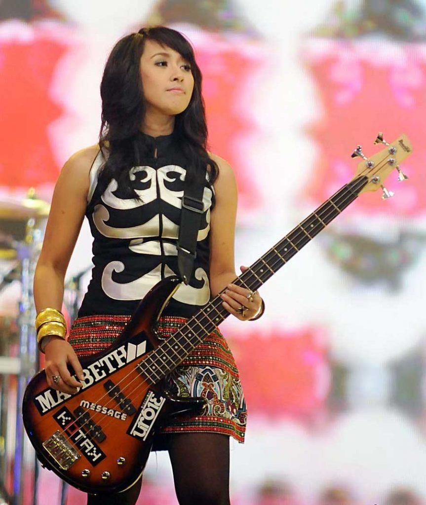 5 gitaris wanita indonesia terhebat 2