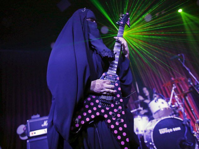 5 grup band paling aneh di dunia 3