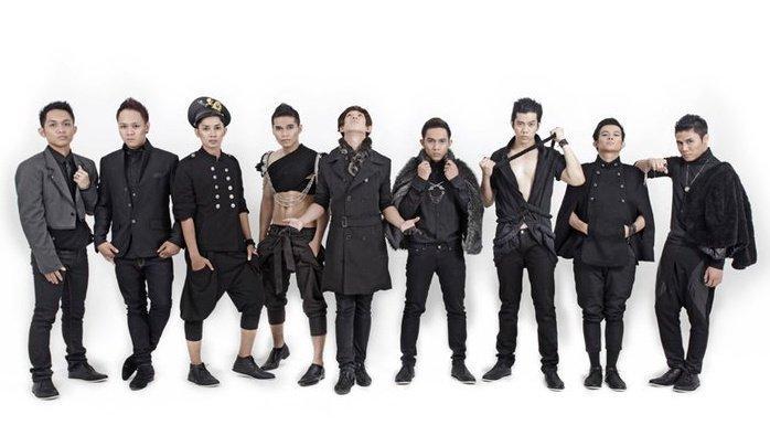 Boyband XO IX juga sempat menjadi idola di Indonesia dengan beberapa singlenya