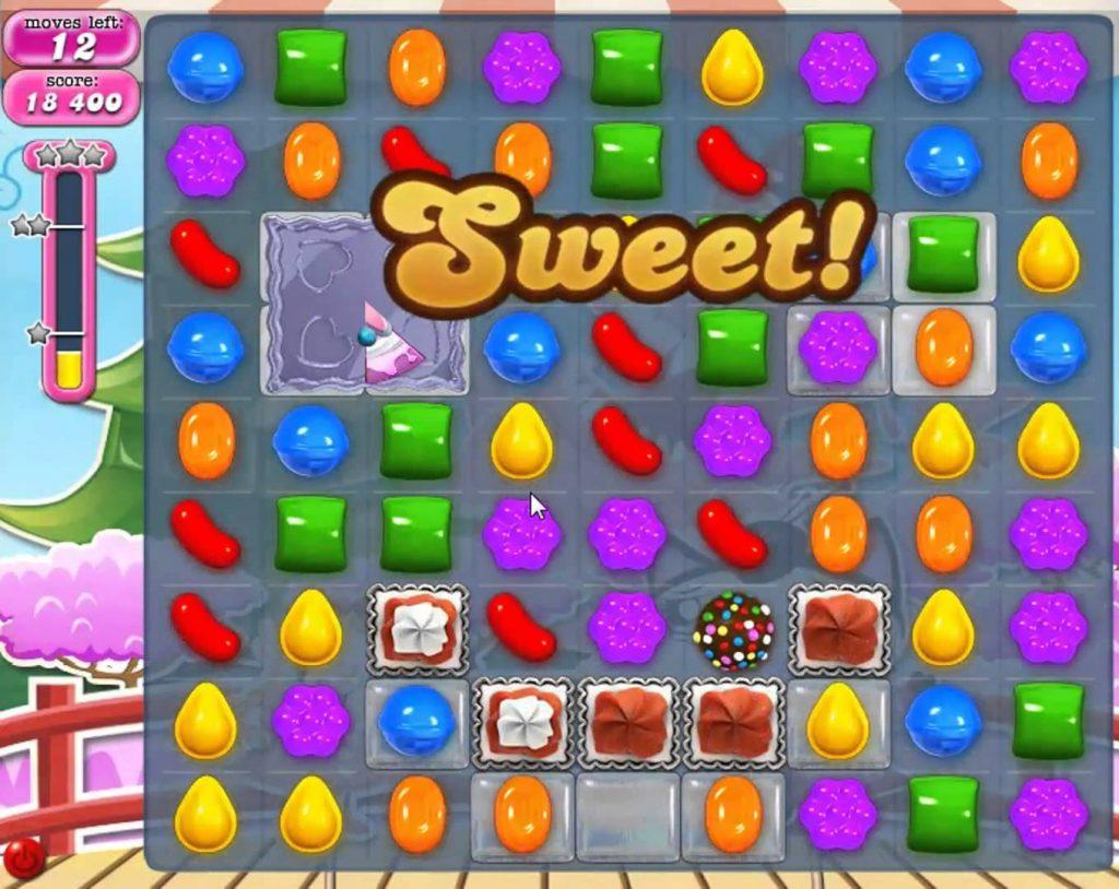 candy crush ini mungkin adalah game yang paling berwarna-warni karena melibatkan banyak sekali permen untuk dihancurkan