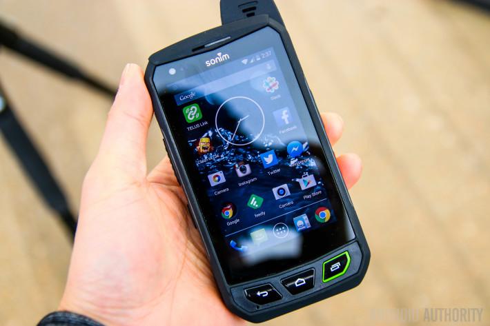 Smartphone-Tahan-Banting-Untuk-Aktifitas-Berat-6