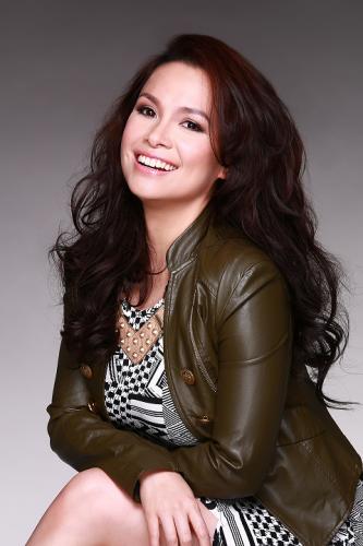 Penyanyi-Wanita-Asia-Tersukses-yang-dikenal-di-Mancanegara-4
